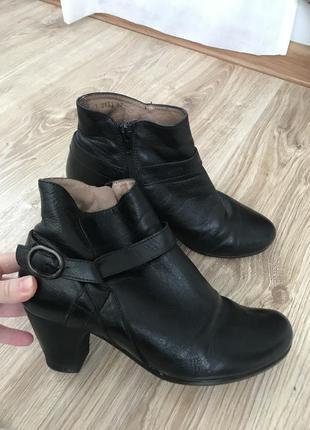 Ботинки натуральная кожа 37 р.
