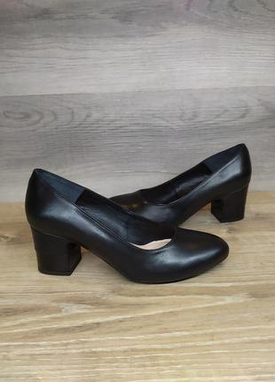 Кожаные туфли , женские туфли на каблуке 36 размера. модель 2408