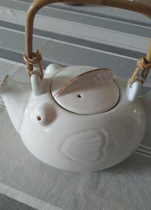 Чайник-заварник с ситечком на носике.butlers/новый