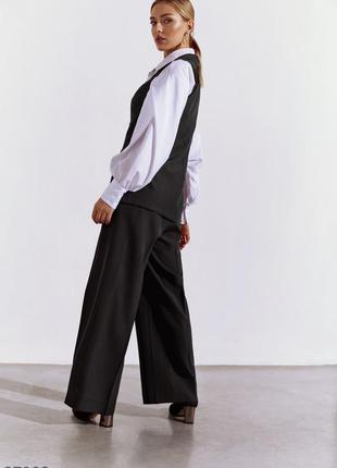 Чёрный брючный костюм с жилетом. рубашка тоже в продаже