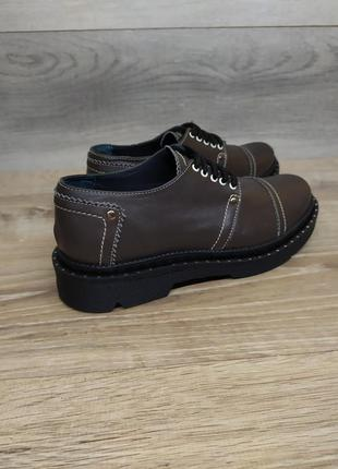 Шкіряні туфлі 40 розмір : натуральна шкіра