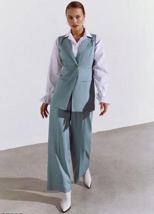 Брючный  бирюзовый костюм с жилетом  и брюками-палаццо.  рубашка тоже в продаже