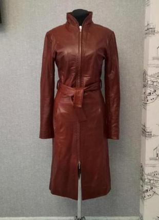 Кожаное бордовое миди пальто freccia d'oro.