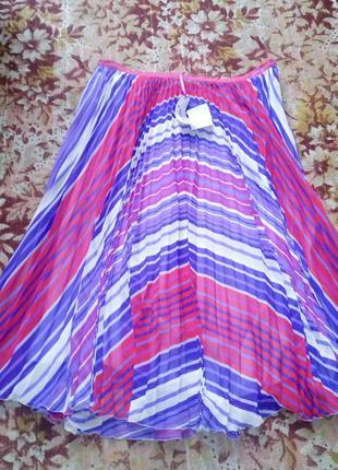 Яркая плисированная юбка.размер xxxl.marks&spencer.