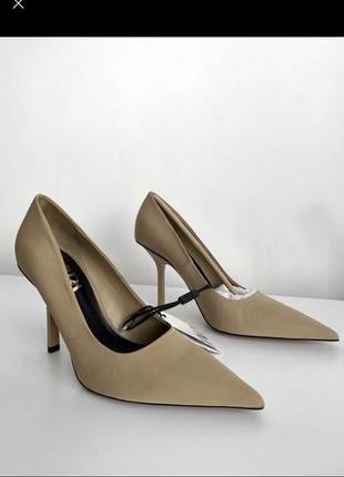 Туфли лодочки бежевие зара zara колекция шпильки каблук острий носок