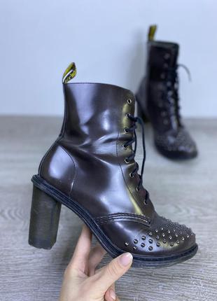 Бомбезные ботиночки, харизматичная модель dr.martens
