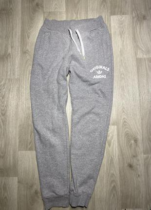 Штаны adidas  размер 12(м-l)