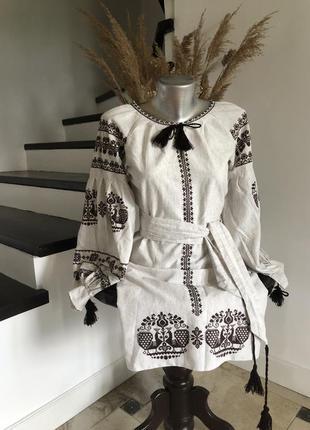Плаття вишиванка стиль бохо об'ємні рукава