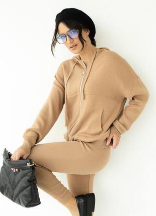 Трикотажный комплект кофта с капюшоном и штаны