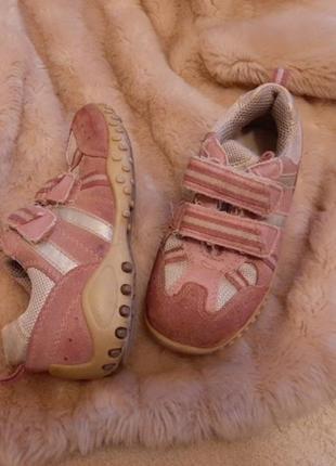 Розовые замшевые кроссовки 27 17см