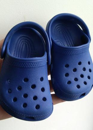 Crocs оригинал сандалии шлепки р 2-3