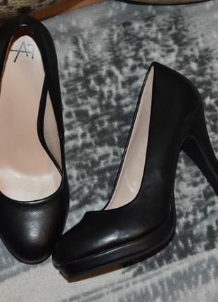 Туфли черные женские каблук