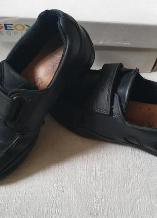 Кожаные туфли geox 32р