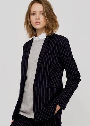 Стильный классический, офисный пиджак в полоску размер m-l