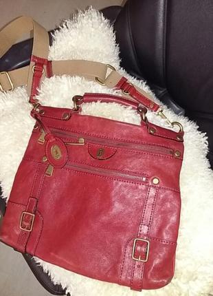 Шикарная   кожаная  сумка  портфель  от известного бренда.
