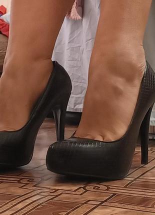 Кожаные туфли taccardi высокий каблук