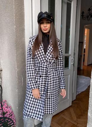Женское пальто на подкладке гусиная лапка