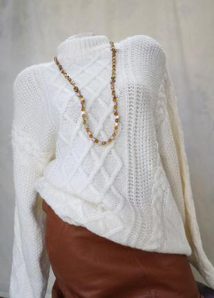 Женский белый свитер размер l.