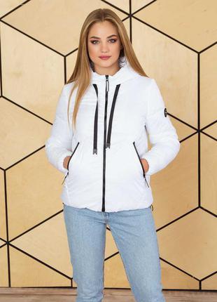 Женская демисезонная куртка свободного кроя