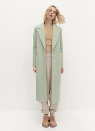 Новое пальто цвет-фисташка