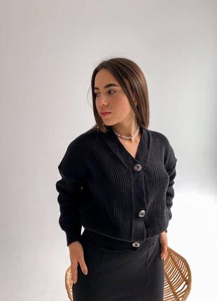 Чёрный вязаный кардиган кофта на пуговицах свитер мелкая вязка