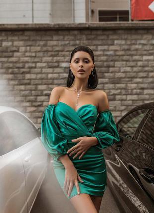 Изумрудное элегантное платье