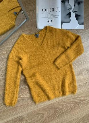 Обємнмй светр
