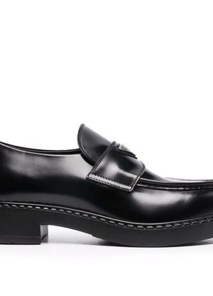 Лоферы женские loafers logo-plaque chunky heel, черные (лоуферы, туфли)