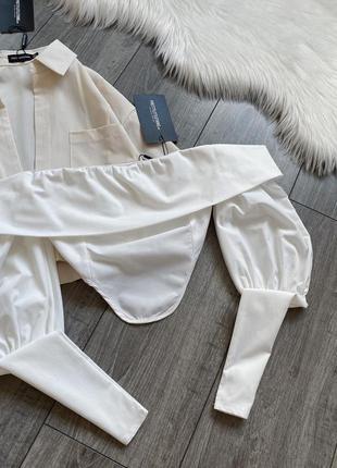 Белая блуза топ с рукавами на плечи