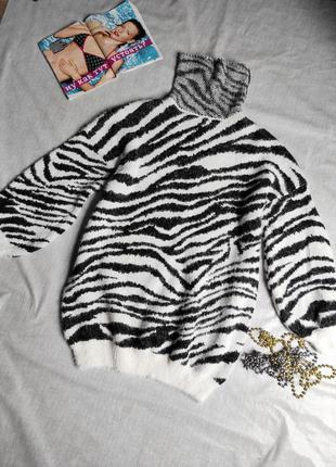 Удлиненный свитер ,платье,туника , оверсайз в трендовой анималистической расцветке р.м