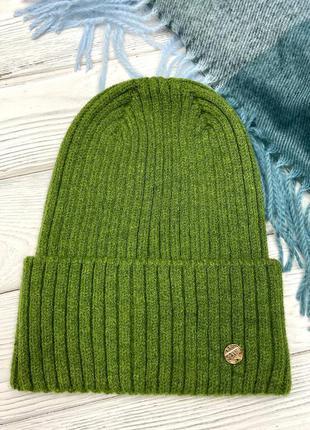 Шапка лопата женская на осень зеленый