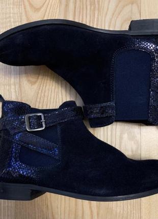 Стильные фирменные замшевые ботинки демисезон
