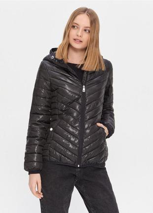 Женская новая черная стеганная демисезонная куртка house размер хс и м