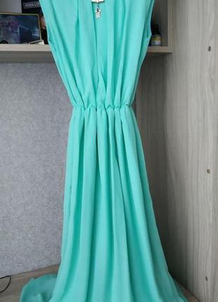 Мятное платье в пол