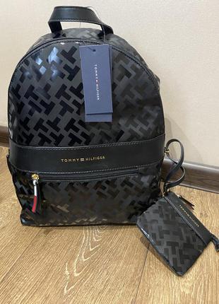 Новая tommy hilfiger оригинал сумка,рюкзак,портфель