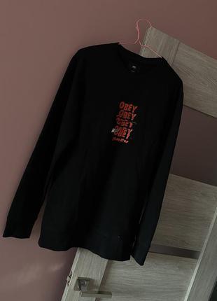 Отличный чёрный брендовый свитшот obey