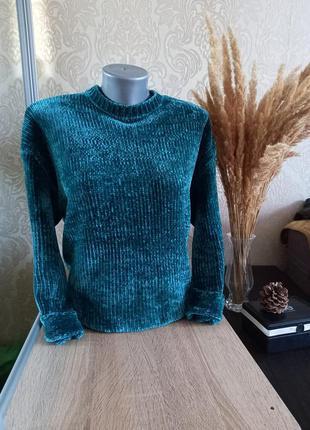 Велюровый свободный свитер