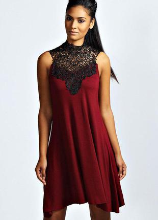 Романтичное платье с декорированной грудью и плечами boohoo