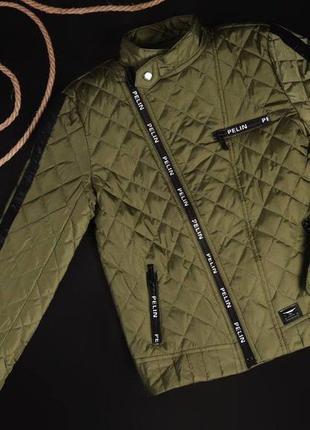 Классная, уютная демисезонная куртка для мальчика. замеры в описании