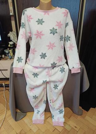 Шикарная, тепленькая пижама. размер м.
