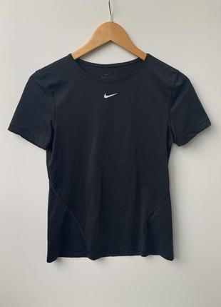 Спортивная футболка топ для зала бега nike dri-fit