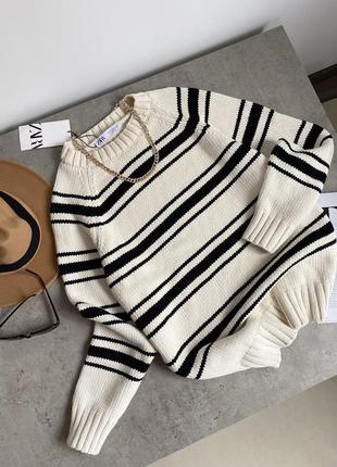Полосатий , об'ємний , в'язаний светр zara