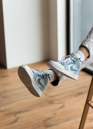 Air jordan 1 mid mixed textures blue высокие женские кроссовки джорданы