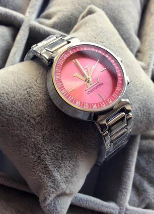Стильные женские наручные часы луи