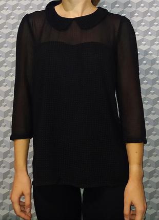 Черная блузка с воротником