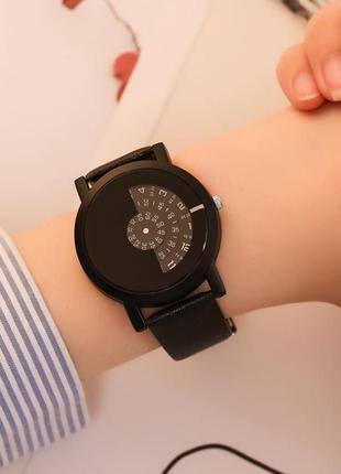 Годинник з оригінальним циферблатом, часы оригинальные чёрные