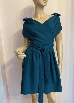 Интересное елегантное платье/xs/brend trendyol