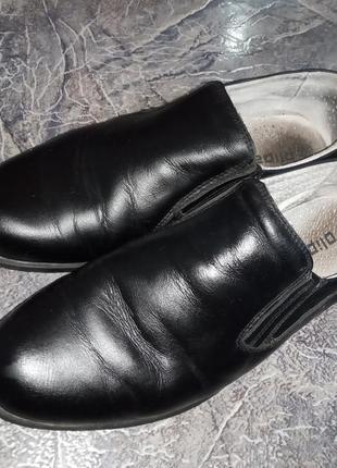 Туфли для мальчика .кожа .35 рр.