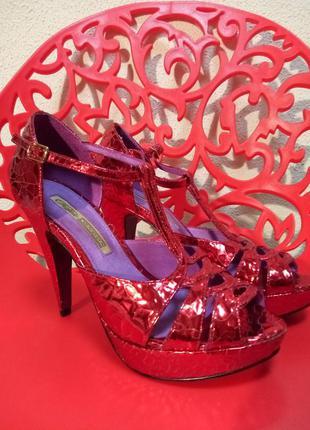 Шикарные кожанные открытые туфли смотрятся🔥