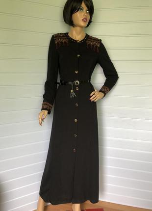 Платье рубашка миди с вышивкой